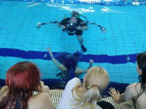 Pukcilla a víz alatt